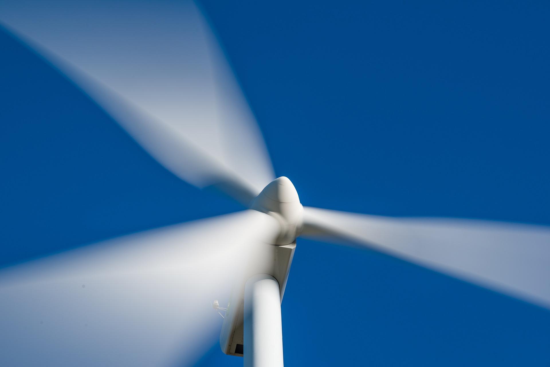 Molino eolico 1920 - Energías renovables - Daños irreversibles