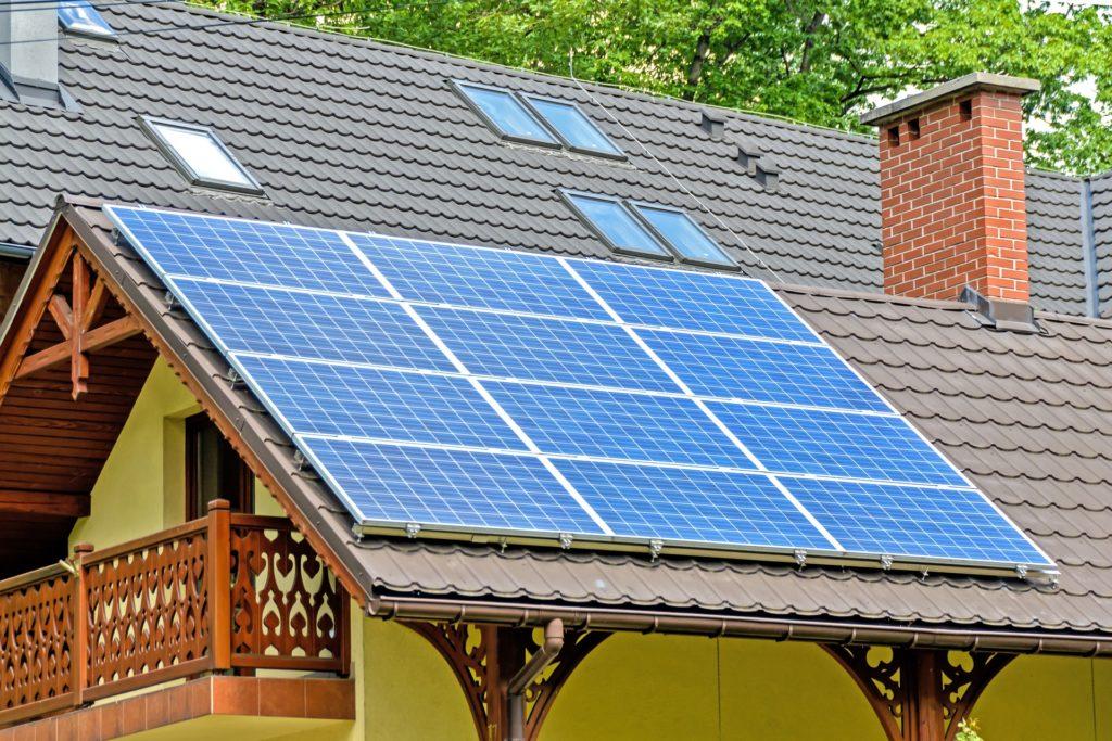 solar panels 1477987 1920 1024x683 - Programas